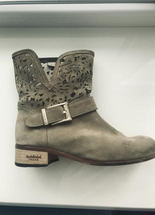 Очень удобные ботинки baldinini trend оригинал.