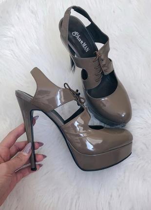 Туфли на каблуке босоножки со шнуровкой sharman