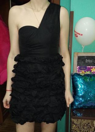 Суперське коктельне нарядне плаття divided exusive