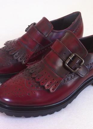 Мега стильные лаковые туфли лоферы , броги 👞фирмы batа размер 36 оригинал !!!