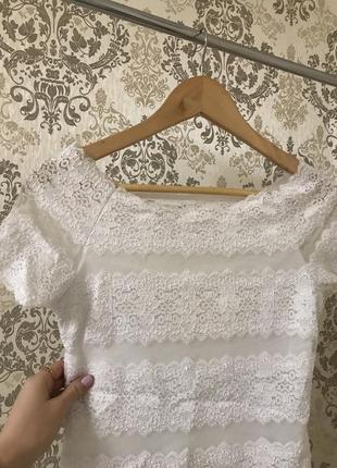 Гипюровая белая блуза - футболка