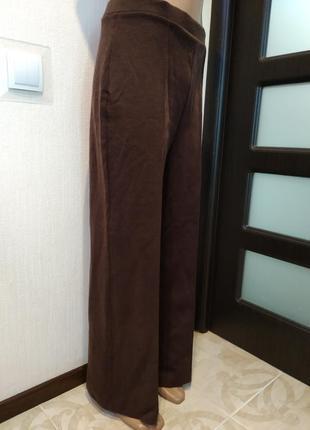 Крутые трикотажные плотные брюки прямого покроя в пол коричневые новые