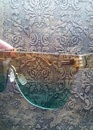 Прозрачные очки маска с градиентом