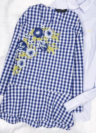Актуальна блузав клітинку з вишивкою zara