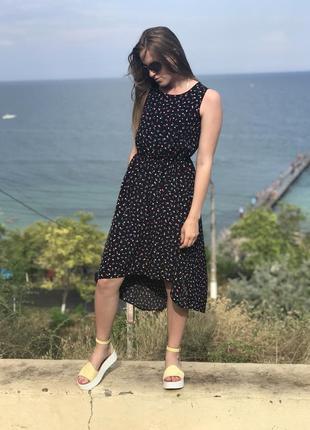 Шикарна сукня в принт з сердечками