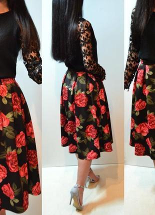 Очень красивая женская пышная юбка в цветочный принт, красные розы apricot