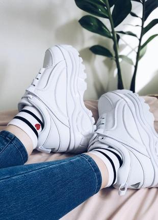 Новые женские крутие кроссовки на платформе!мега удобные и модные!!