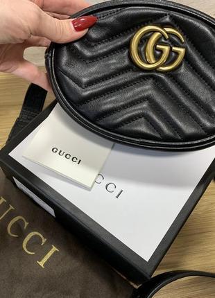 Кожаная сумочка на поясе gucci