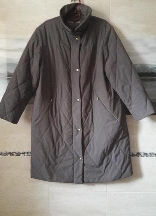 Удлиненная стеганная курточка весна-осень