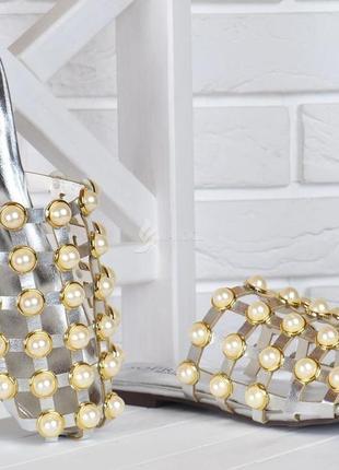 Сабо женские мюли с жемчугом серебристые шлепанцы queen's pearls