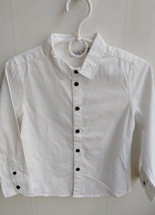 Белая фирменная рубашка на 4 года