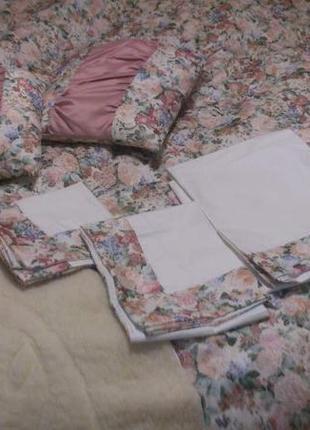 Кпб (евро) набор постельного белья с одеялом из шерсти мериноса и декоративными подушками