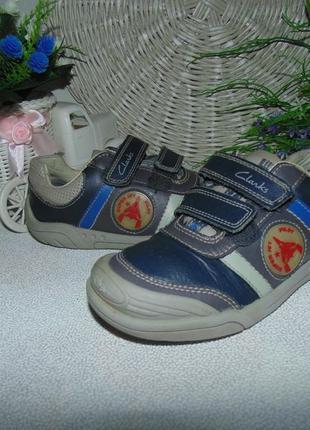 Кроссовки clarks 29(11f)р,ст 18,5см.мега выбор обуви и одежды!