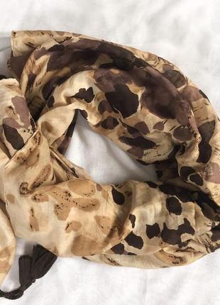 Шарф с тигровым принтом