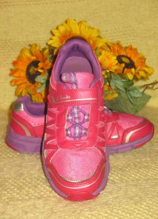Фирменные кроссовки clarks - англия,светящиеся