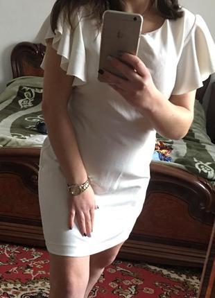 Платье цвета слоновая кость новое нарядное