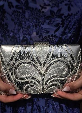 Жіноча сумка-клатч обшита бісером