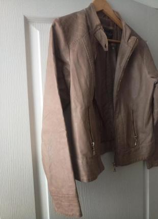 Кожаная куртка, пиджак кремового цвета с золотым замочком🌷3