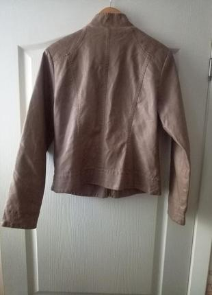 Кожаная куртка, пиджак кремового цвета с золотым замочком🌷6