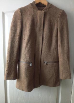 Нежный пиджак, полупальто в составе шерсть.