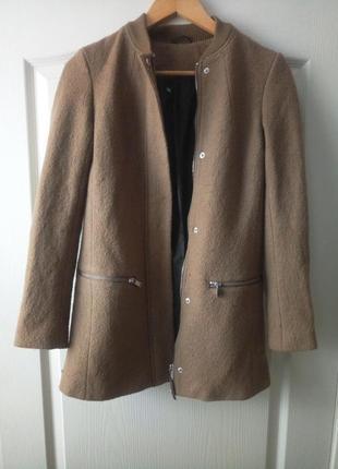 Нежный пиджак, полупальто в составе шерсть.2 фото