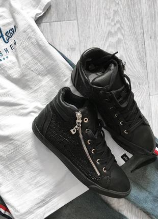 Чёрные высокие кеды кроссовки с камнями стразами bershka