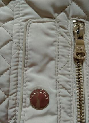 Стильная стеганая куртка ветровка на молнии с карманами стойка воротник от zara9 фото