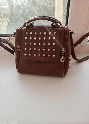 Модная сумочка для модной девушки