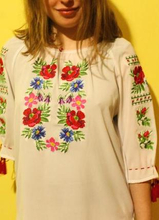 Жіноча вишиванка. вишита жіноча сорочка