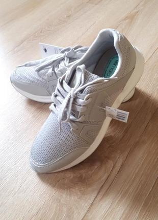 Новые кроссовки esmara