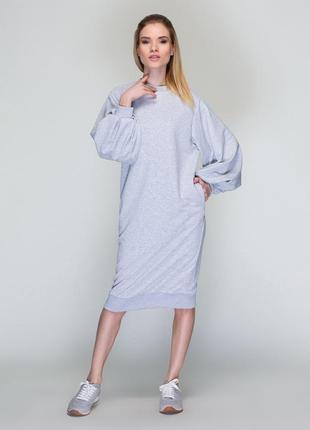 Модное платье свободного силуэта из гладкого трикотажа.loca.  украина мульти