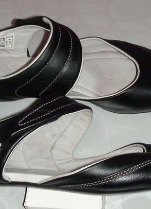 Lacoste - кожанные туфли-лоферы