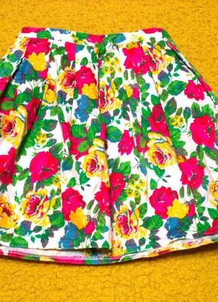 Яркая пышная юбочка в складочку с карманами,цветочный принт