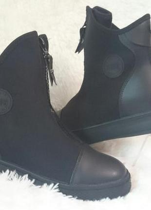Черные ботинки без каблука