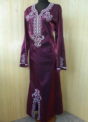 Атласное длинное платье с вышивкой / джаллаба / абая / галабея / кафтан