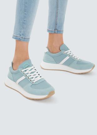 Новые  кроссовки мятного цвета