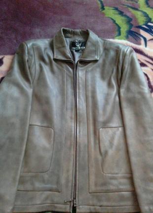 Шкіряна куртка коротка