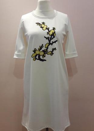 Нежное платье с вышивкой