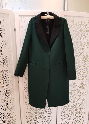 Пальто guess. новое.