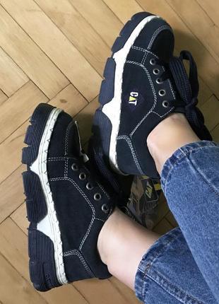 Кросівки/черевики cat