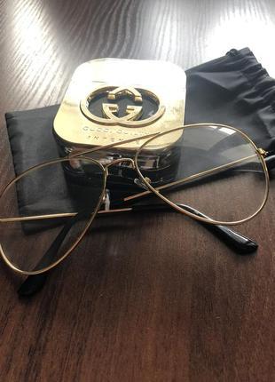 Модные прозразные очки
