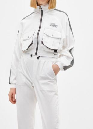 Куртка ветровка укорочённая кофта белая плащ с надписью bershka оригинал