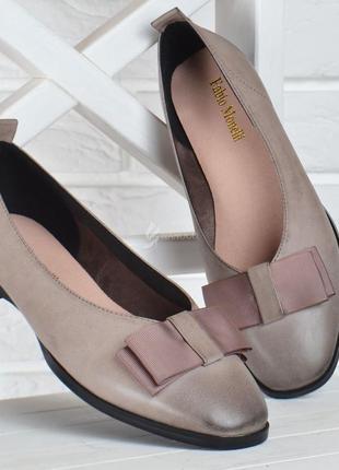 Туфли женские кожаные fabio monelli на каблуке темно бежевые2 фото