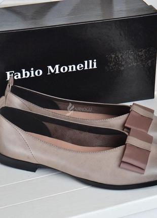 Туфли женские кожаные fabio monelli на каблуке темно бежевые5 фото