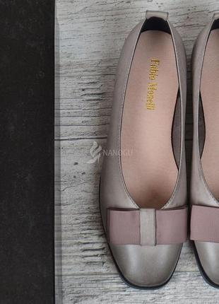 Туфли женские кожаные fabio monelli на каблуке темно бежевые3 фото
