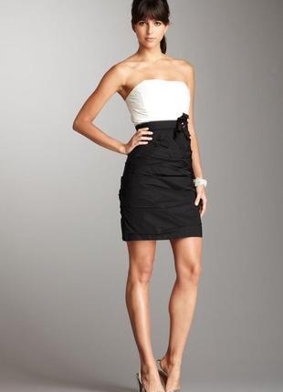 Вечернее платье коктейльное платье чёрно-белое открытые плечи без бретелей max and cleo