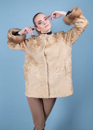 Пальто - шуба из золотой каракульчи с манжетами из соболя! ворот- шанель! стильно и тепло!