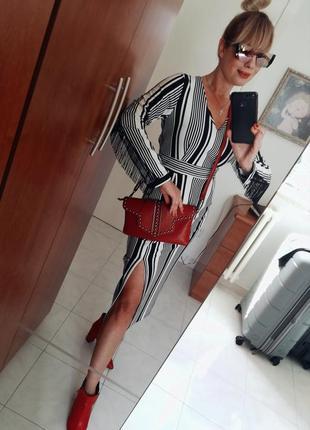 Стильное  платье италия bianconero