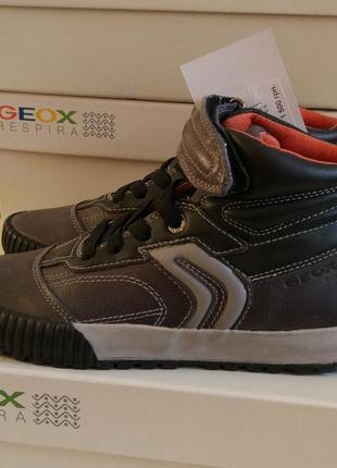 Кожаные ботинки geox для мальчика р. 32