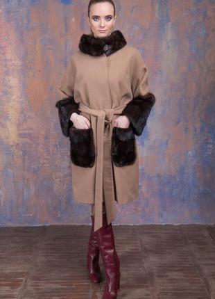 Пальто кашемир шерсть  манжеты карманы и воротник стойка из аукционной норки!